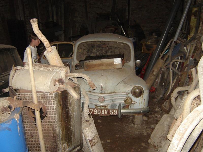 Ancien garage renault plein de petites vieilles for Ancien garage citroen lyon