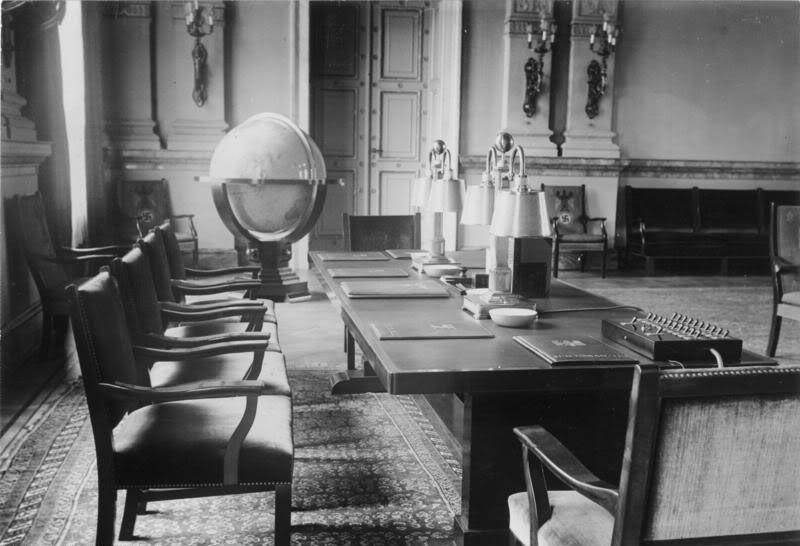 avril 1945 la bataille de berlin page 3. Black Bedroom Furniture Sets. Home Design Ideas