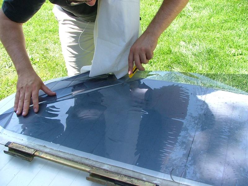 papier pour teinter vitre voiture passion suv les voitures aux vitres teint es interdites d 39. Black Bedroom Furniture Sets. Home Design Ideas