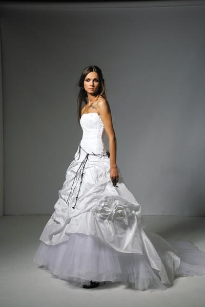 Meilleur blog robe: Robe de mariee blanche et parme