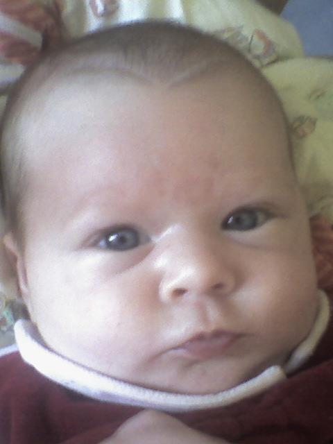 Couleur yeux b b 2 mois - Yeux bleu fonce ...