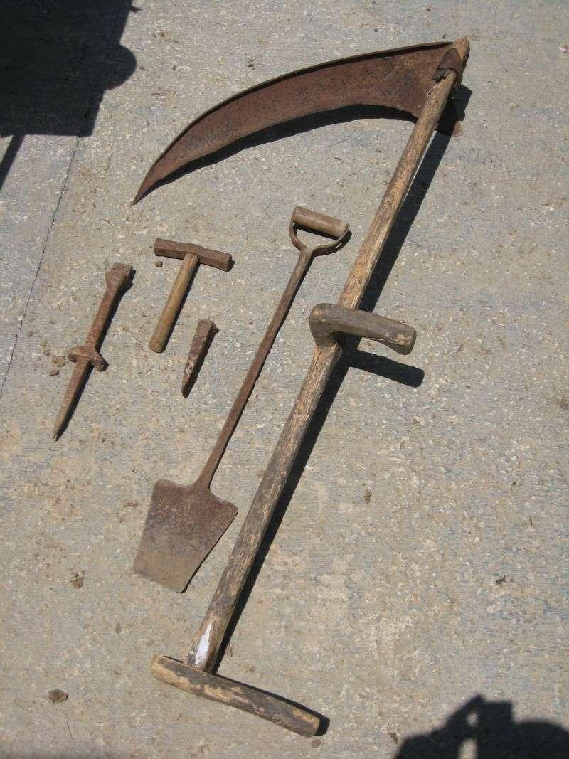 Herramientas antiguas forjadas a mano no son armas - Herramientas de campo antiguas ...