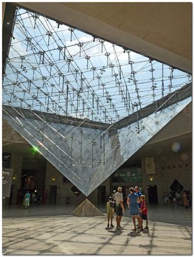 L 39 esoterisme de la pyramide du louvre for Louvre interieur